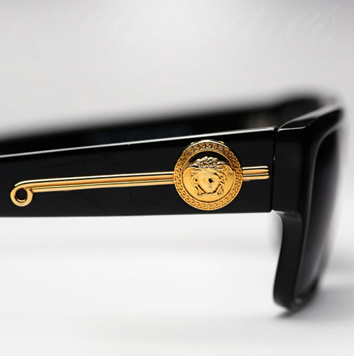734ec4add9 Reviewing The Luxury Vintage Versace sunglasses